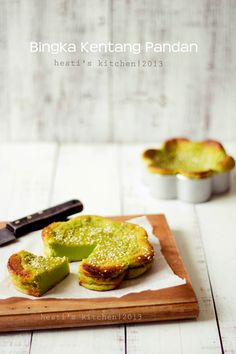 HESTI'S KITCHEN : yummy for your tummy...: Bingka Kentang Pandan