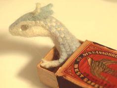 """brz-05∴炭化⊿automatonさんはTwitterを使っています: """"#羊毛フェルト マッチ箱で竜を飼う試み。( ・△・)  https://twitter.com/5684a/status/565434569080709120"""