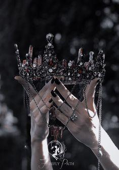 Cute Jewelry, Hair Jewelry, Jewelry Accessories, Leather Accessories, Jewelry Trends, Fantasy Jewelry, Gothic Jewelry, Mermaid Crown, Accesorios Casual