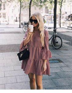 Street style fashion / fashion week Source by andiidieguez fashion dresses Little Dresses, Cute Dresses, Casual Dresses, Fashion Dresses, Wrap Dresses, Midi Dresses, Elegant Dresses, Sexy Dresses, Formal Dresses