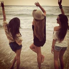 """Spring break seniors - I love this - have them play in the water like """"yay! We made it to the beach!"""""""