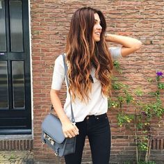Pretty Caramel Highlight Hairstyle with Dark Brown Hair