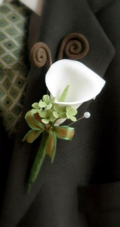 Mini Calla Lilly Boutonniere by ysoriginals on Etsy, $20.00