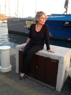 26 septembre 2014 - Brigitte Bardot fait une visite surprise à l'équipage du Brigitte Bardot/Sea Shepherd venu lui souhaiter un Bel Anniversaire dans le port de Saint-Tropez !