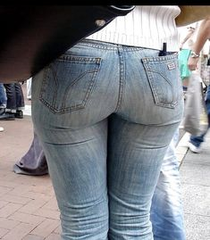 Cowgirl Jeans, Sexy Jeans, Denim Attire, Beste Jeans, Beautiful Buttocks, Tights Outfit, Hot Girls, Girls Jeans, Denim Pants
