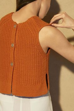 Aritzia RTW Summer 2016 Best Picture For Knitting inspiration For Your Taste You are looking for something, and it is going to tell you exactly. Ssk In Knitting, Knitting Blogs, Summer Knitting, Knitting Designs, Crochet Blouse, Knit Crochet, How To Purl Knit, Knit Fashion, Knit Patterns