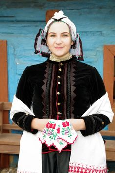 Rejdová, Gemer, Slovakia Folk Costume, Costumes, Popular, Folk Clothing, Folk Embroidery, Ethnic Dress, Traditional Dresses, Culture, Handkerchiefs