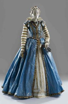 Isabelle de Borchgrave, Maria de' Medici, 2006, inspired by a ca. 1555 portrait by Alessandro Allori in the collection of the Kunsthistorisches Museum, Vienna. Photo: Andreas von Einsiedel