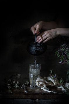 Jasmine Tea Ice Cream with Tonka Date Caramel Sauce,for Friendship | Hortus Natural Cooking Pavlova, Food Photography Styling, Food Styling, Fashion Photography, Sangria, Chutney, Masala Chai, Jasmine Tea, Tea Time