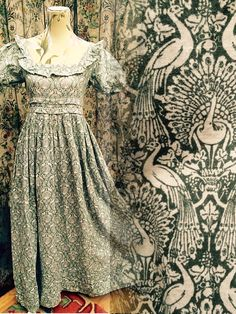 Rare vintage Laura Ashley Wales peacock print early victorian romantic novelty maxi dress UK 10 12  EUR 34 36  USA 4 6