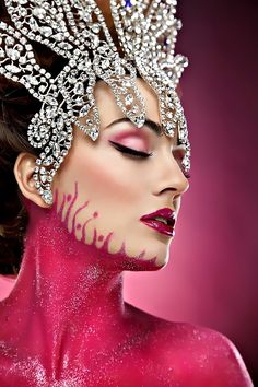 Pink Obsession II ~ by Rebeca Saray. Brilliant marriage of makeup and Diamond headdress Fashion Photography, Street Photography, Photography Tips, Woman Photography, Portrait Photography, Everything Pink, Tiaras And Crowns, Headgear, Native American Indians