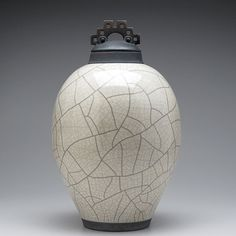 Ceramic lidded jar,urn,white Raku Jar with lid,large urn, large jar, art pottery,wheel thrown,handmade