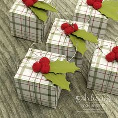 gift box embellishment christmas holly leaves berry berries plaid paper tartan Real Red Pompom Trim with punched holly leaves for a seasonal gift box topper ~ Cindy Schuster Stampin Up Christmas, Christmas Tag, Christmas Projects, All Things Christmas, Envelope Punch Board Projects, Creative Gift Wrapping, Wrapping Ideas, Christmas Gift Wrapping, Xmas Cards