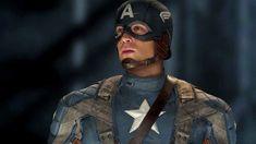 Chris Evans takes the Captain America moniker seriously, even in real life. John Krasinski, Chace Crawford, Steve Rogers, Chris Evans, Gossip Girl, Film Captain America, Civil War Comic, Star Lord Costume, France 4