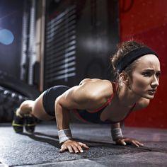 Quer tonificar o peito mas não tem tempo para ir ao ginásio? Já não há desculpas! É possível fazê-lo apenas com flexões!