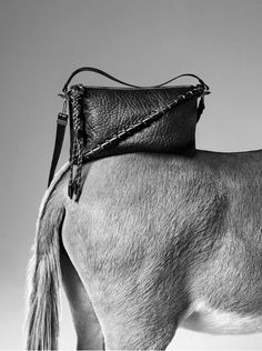 La première collection de sacs d'Acne Studio