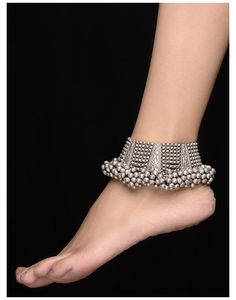 Payal Designs Silver, Silver Anklets Designs, Silver Payal, Anklet Designs, Ankle Jewelry, Ankle Bracelets, Silver Bracelets, Silver Earrings, Bangles
