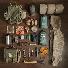 Vintage bushcraft tips that all wilderness hardcore will most likely desire to master now. This is essentials for bushcraft survival and will definitely protect your life. Bushcraft Camping, Bushcraft Kit, Camping Survival, Outdoor Survival, Survival Prepping, Survival Gear, Survival Skills, Camping Gear, Camping Hacks