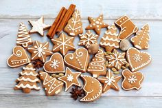 Gluten Free Gingerbread Cookies are easy to make and full of gingerbread flavors you love. Pull out your cookies cutters and have fun with this recipe. Swedish Christmas, Christmas Tea, Christmas Gingerbread, Christmas Cookies, Gluten Free Gingerbread Cookies, Elephant Cookie Cutter, Rabbit Cake, Star Cookies, Cookie Decorating