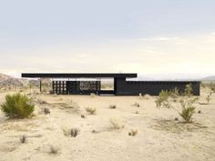Rosa Muerta, Joshua Tree, Architect: Robert Stone, 2009, a vacation house open to the elements, using shading, thermal mass, solar absorbtion, & breezes for temperature regulation