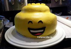 Part one of how to make a LEGO head cake from baking the cake, buttercream, marshmallow fondant to assembly! Lots of tips and tricks! Pineapple Sheet Cake Recipe, Lego Head Cake, Cake Recipes, Dessert Recipes, How To Make Marshmallows, Marshmallow Fondant, Savoury Baking, No Bake Desserts, No Bake Cake