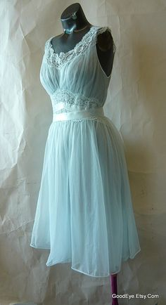 Found It at a thrift store. Need to remember to wear it :) Vintage Goddess Night Gown VANITY FAIR size 32 Blue Small Nylon and LACE. 50s Dresses, Pretty Dresses, Vintage Dresses, Beautiful Dresses, Vintage Outfits, Vintage Underwear, Vintage Lingerie, Dress Outfits, Dress Up