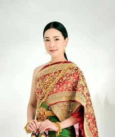 Traditional Thai Clothing, Traditional Dresses, Thai Dress, Thai Style, Asian Beauty, Ulzzang, Sari, Indian, Costumes