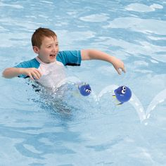 Fun is only a hop, skip and a jump away with Swimways Finding Dory Hop Ball presented by Pool Toy Express. The Finding Dory shaped ball can be skipped across the water. Play a game to see who can get