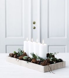 DIY Christmas- I love this simple advent candles arrangement #advent #christmas