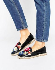 Buy Black Lost Ink Basic espadrilles for woman at best price. Compare Espadrilles prices from online stores like Asos - Wossel Global Floral Espadrilles, Black Espadrilles, Latest Fashion Clothes, Fashion Shoes, Fashion Online, Ballerinas, Denim Sandals, Shoes Sandals, Heels