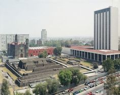 Domingo Milella. Tlatelolco, Plaza de Las Tres Culturas 2004