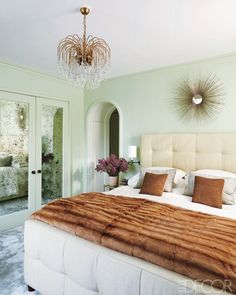 "I reallllly want a mirror like that above our bed. Where should I look! I love how fine the ""burst"" detail is."