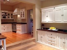 English Elegance Free Standing kitchen units from Milestone Kitchens