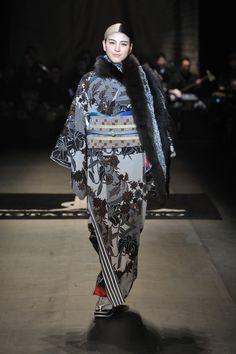 Collection Report、メルセデス・ベンツファッション・ウィーク東京(Mercedes-Benz FashionWeek TOKYO=MBFWT)は、国内最大級のファッションの祭典です。