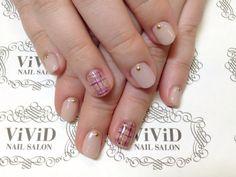【No.34】nude colour and plaid design on featured nails☆mature looking♪ ベージュと紫の大人なチェック柄♪♪ #vividnailsalonsydney#calgel#sydney#nail#nails#nailart#art#nalisalon#gelnail#japanesenailart#ネイル#ネイルアート#ジェルネイル#カルジェル#美甲#指甲