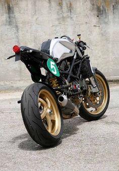 Radical Ducati - Raceric cafe racer