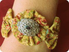 Yo-Yo Vintage Flower Fabric Bracelet.