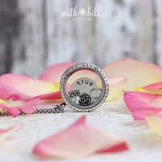 #southhilldesigns #locket