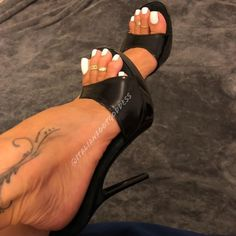Do you guys like my feet in these mules ? Sexy High Heels, High Heels Stilettos, Stiletto Heels, Long Toenails, White Toes, Sexy Sandals, Beautiful Toes, Sexy Toes, Women's Feet