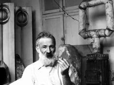 Constantin Brâncuși Self-portrait Constantin Brancusi, Brothers In Arms, Marcel Duchamp, Modigliani, Man Ray, Modern Sculpture, Ale, Sculptures, Photography