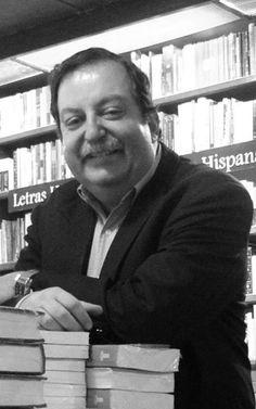 Recientemente Pepe Gordon presentó su libro La oveja eléctrica y la memoria del universo, en colaboración con Ricardo García Micro, conoce los detalles.http://www.linio.com.mx/libros-y-musica/