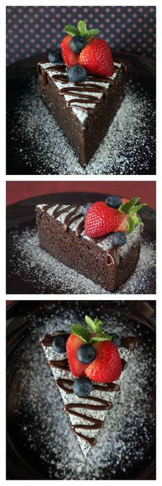 NO-BAKE Chocolate Cake!! Moist, soft, and THE MOST decadent chocolate cake recipe EVER, perfect for V Day!!! | rasamalaysia.com