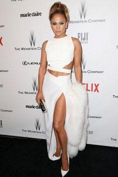 Jennifer López demuestra que es la reina de la sensualidad en este sexy conjunto blanco que lució en la Golden Globes Afterparty