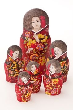South Korean artist Seung-Eun Lee, exhibit at Mokin Museum СЕУЛЬСКИЙ ВЕСТНИК - Матрешки как метафора любви