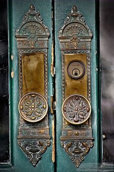 Old World Charm | Vintage Door Knobs