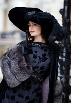 The Art Of Being A Feminine Woman: How To Become A High Value Woman: Ideal Feminine Appearance, Personal Brand And Image - Part One Mode Glamour, Fancy Hats, Wearing A Hat, Love Hat, Mode Vintage, Up Girl, Hats For Women, Ladies Hats, Style Inspiration