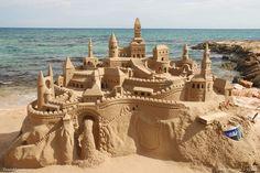 Sand art: 20 de Sculpturi in nisip MAGNIFICE, care te vor lasa masca