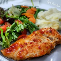 Sweet Chilli Chicken Breasts & Garlic Mash that is Slimming World and Weight Watchers friendly, and low calorie. Slimming world chilli recipe Slimming World Dinners, Slimming World Chicken Recipes, Slimming World Recipes Syn Free, Lunch Recipes, Dinner Recipes, Healthy Recipes, Healthy Foods, Free Recipes, Breakfast Recipes