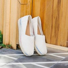 sagiakos.grFeel taller... just like that! 🔝 #TOMS ◽BUY NOW -40% OFF◽#sagiakosgr #womenshoes #espandrilles #shoelovers #vacationwear #summeressentials Vacation Wear, Tom S, Summer Essentials, Spring Summer 2018, Buy Now, Hot, Stuff To Buy, Fashion, Vacation Clothing