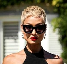Funky Short Hair, Short Blonde, Short Hair Cuts For Women, Bandana Hairstyles Short, Hairstyles Haircuts, Cut Her Hair, Pixies, Mode Outfits, Hair Today